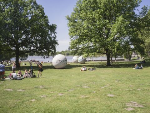 Claes Oldenburg, Giant Pool Balls(1977) Photo by Hubertus Huvermann C Skulptur Projekte in Munster.jpg